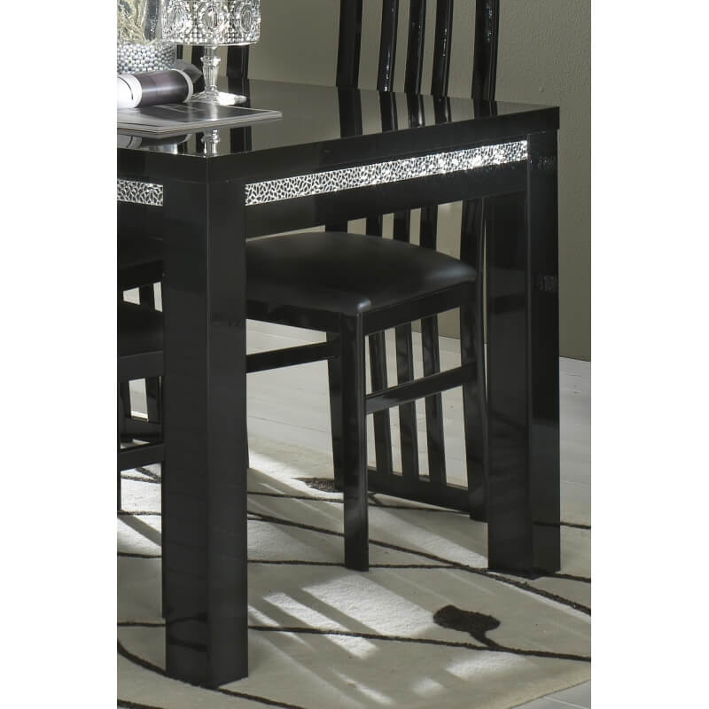 Table de salle manger design laqu e noire melvine matelpro for Table de salle a manger design