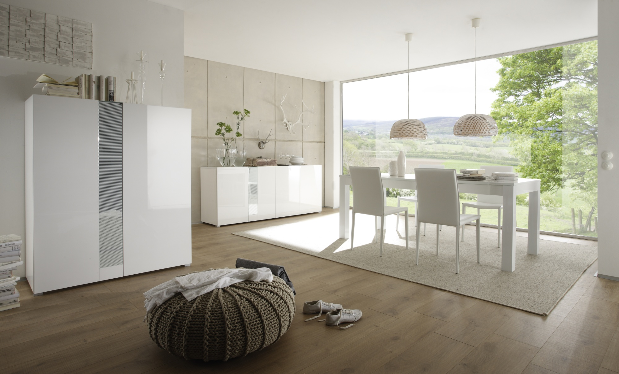 table de salle manger laqu e blanche simba matelpro. Black Bedroom Furniture Sets. Home Design Ideas