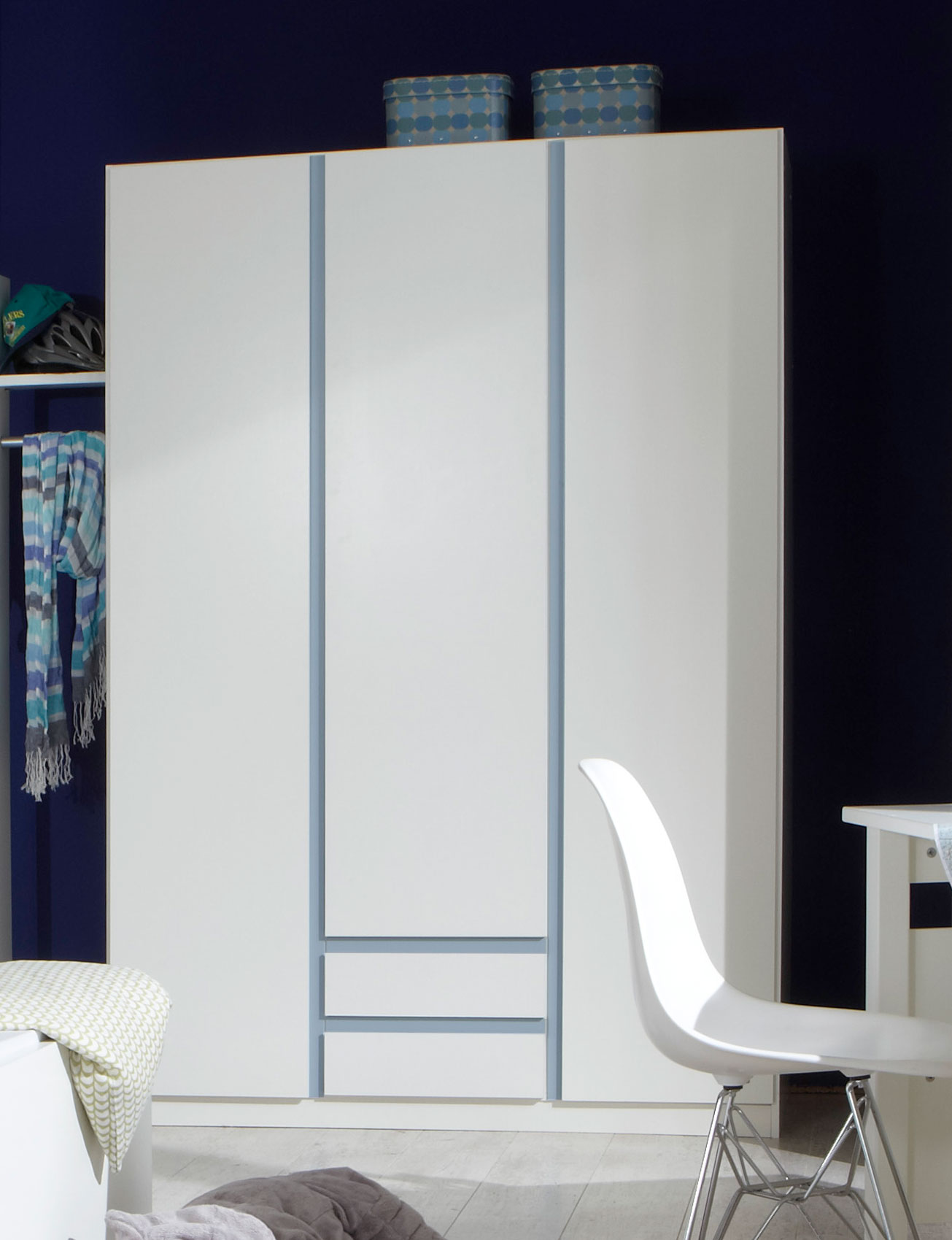 Armoire contemporaine 3 portes/2 tiroirs blanc alpin/décor bleu denim Mandy