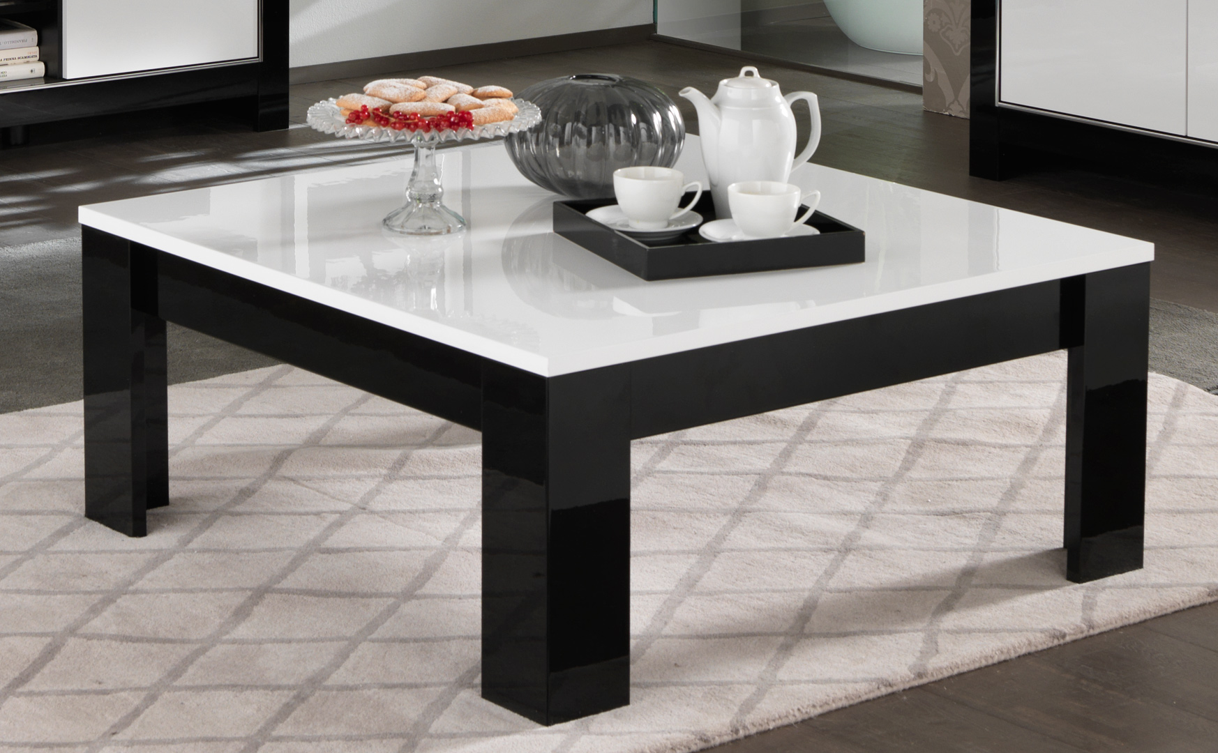 table basse carr e design laqu e blanc noir savana matelpro. Black Bedroom Furniture Sets. Home Design Ideas