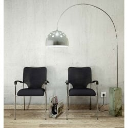 Chaise visiteur design en tissu noir Roxie