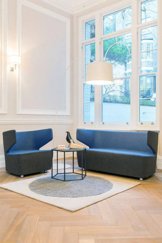 Canapé design 2 places en tissu anthracite/orange Jordana