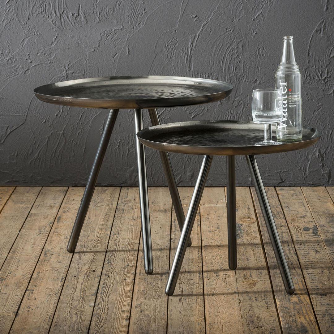 Ensemble de tables basses rondes industrielles en acier argenté (lot de 2) Rosalie