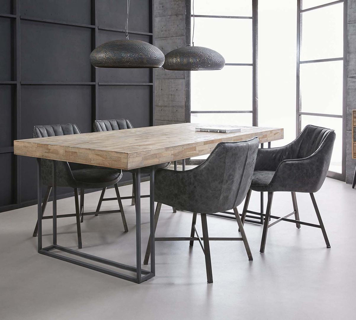 Table de salle à manger contemporaine en bois avec piétement en acier Pascale
