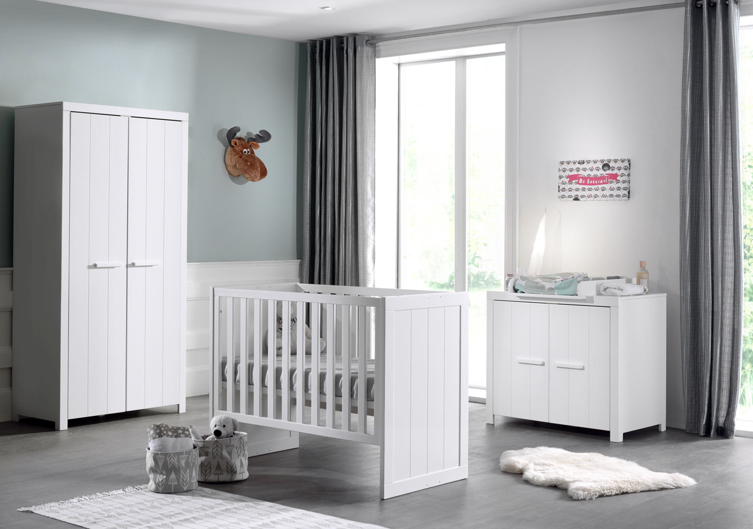 Chambre bébé contemporaine pin massif laqué blanc Ulrick