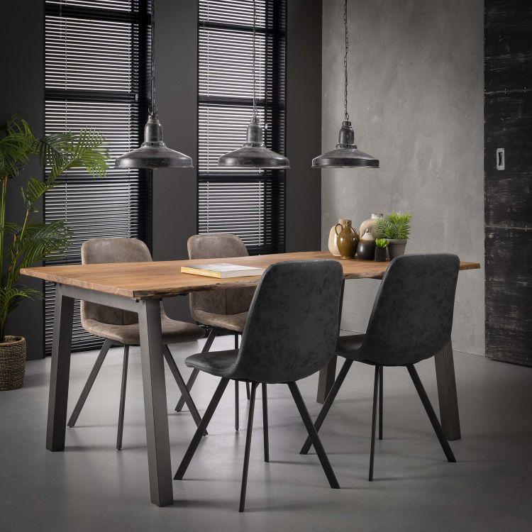 Table à manger industrielle en bois massif Pierre