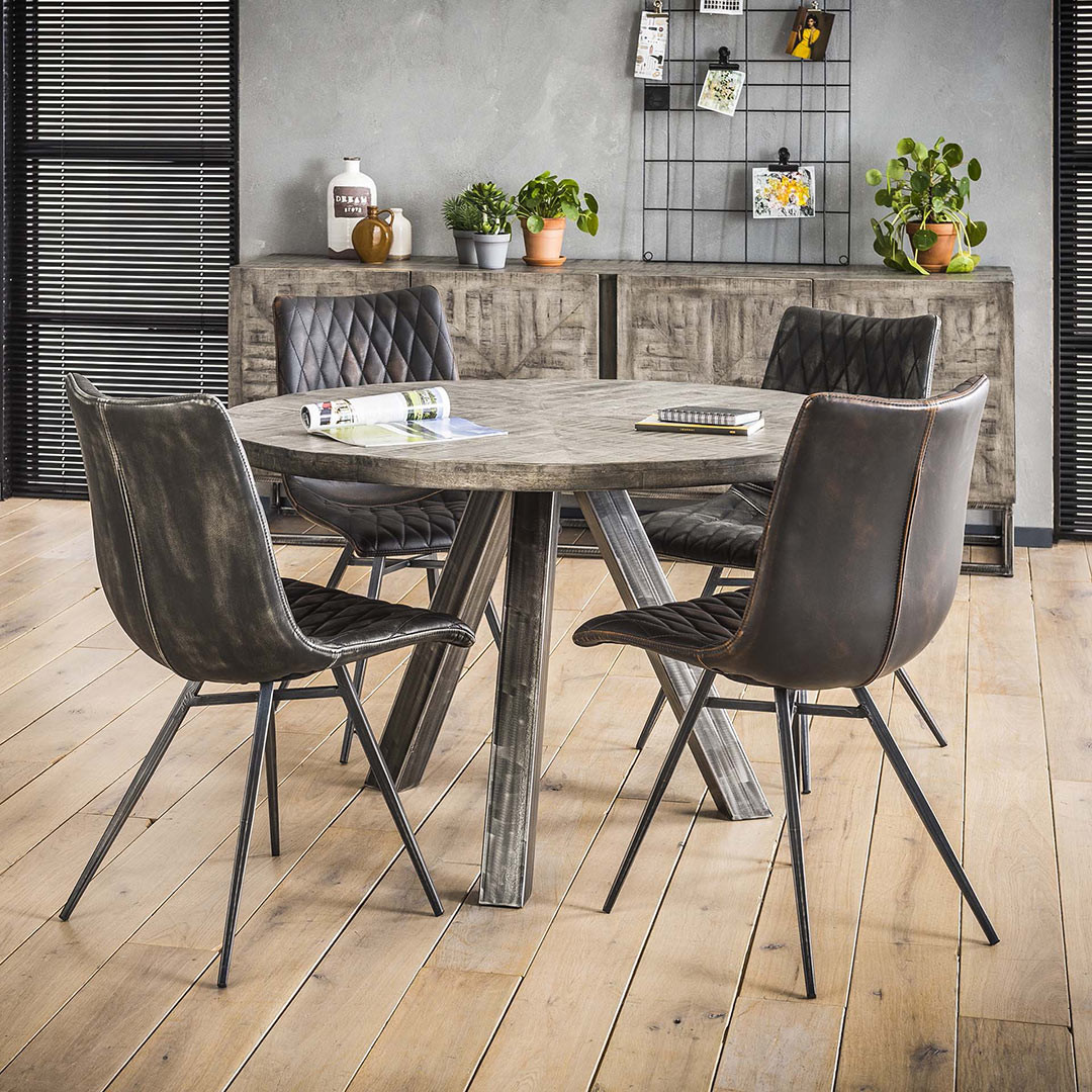 Table à manger industrielle ronde en bois massif Laïa
