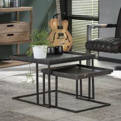 Ensemble de deux tables basses carrées en métal Kristina
