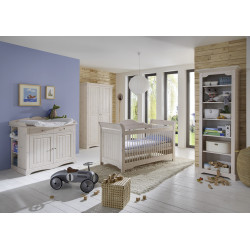 Chambre bébé style nature en pin blanchi Amalia