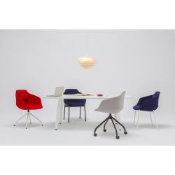 Chaise de réunion design avec piétement droit en métal blanc Sandy