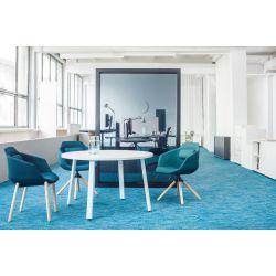 Chaise de réunion design avec piétement étoile en bois Sandy