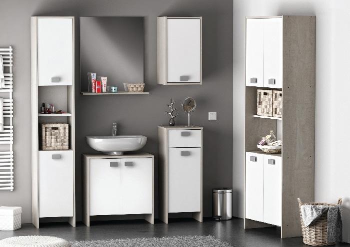 une-salle-de-bain-organisee-et-astucieuse