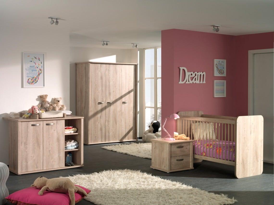 Chambre pour bébé chaleureuse et pratique