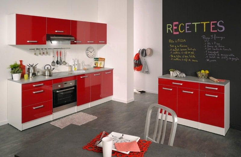 cuisine-rouge-et-tendance