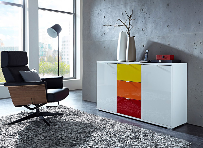 Design et l gance avec le mobilier laqu le blog matelpro for Les trois suisses meubles