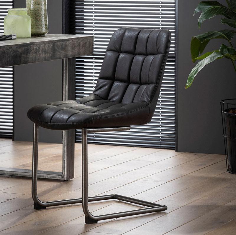 Chaise vintage cuir